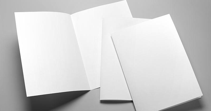 A3用紙を畳んでA4×2枚にしてるイメージ