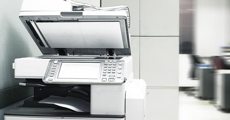 オフィスにある新品のコピー機のイメージ